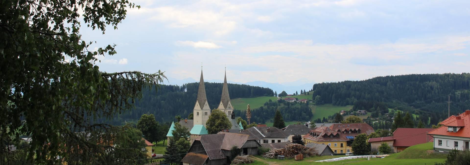 <p>Locationbilder der Pfarrkirche Diex</p><p>Außenansicht, Innenansicht wie auch Ansicht des Friedhofs </p>