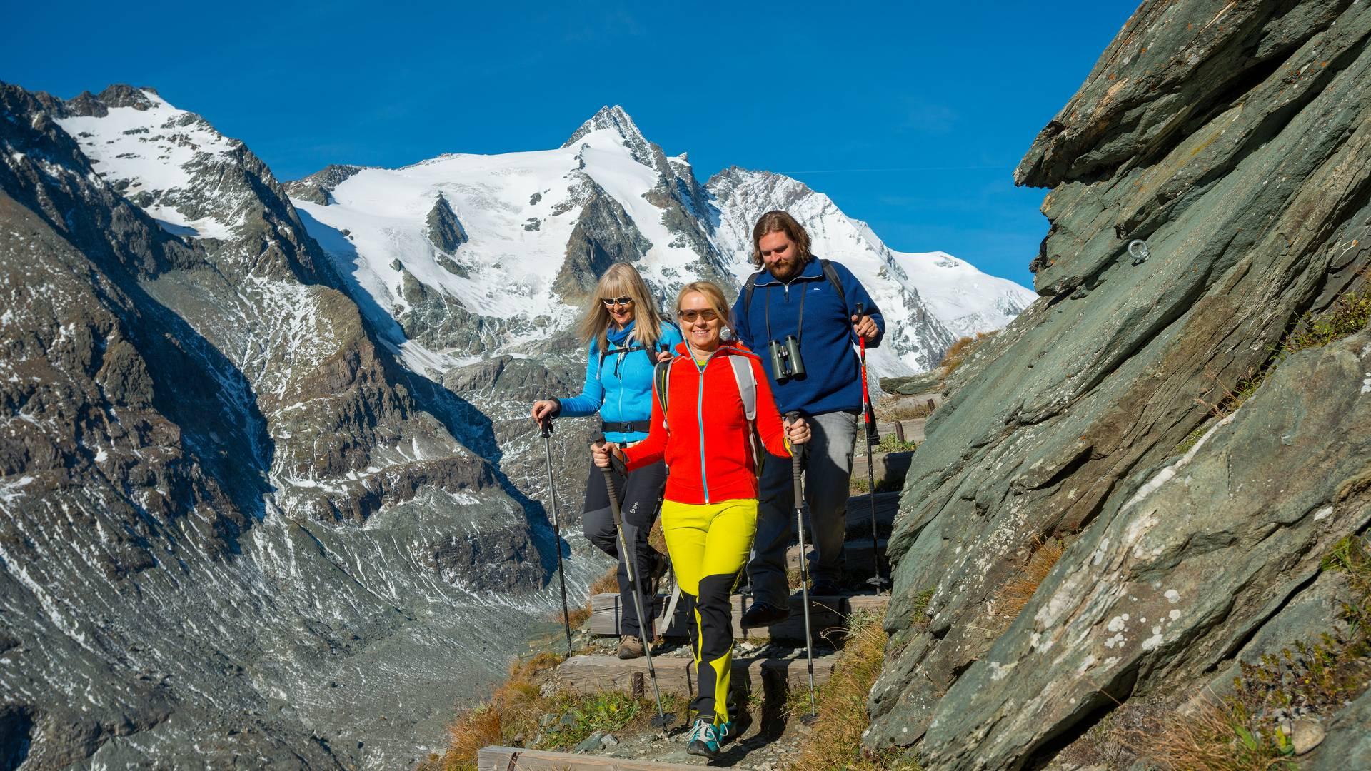 Wandern im Angesicht des Großglockners in der Nationalpark-Region Hohe Tauern