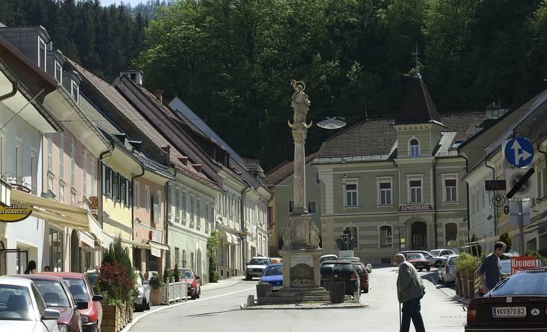Pestsäule am Hauptplatz in Bleiburg