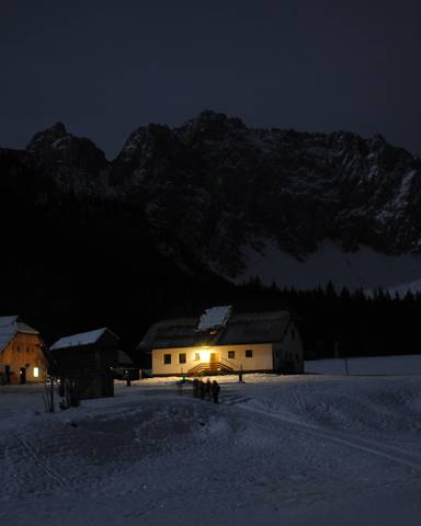 Mondscheinwandern im verschneiten Bodental