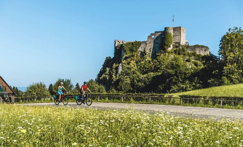 Region Villach, Burg Finkenstein, Burgruine Finkenstein, Faaker See, Burgrunde