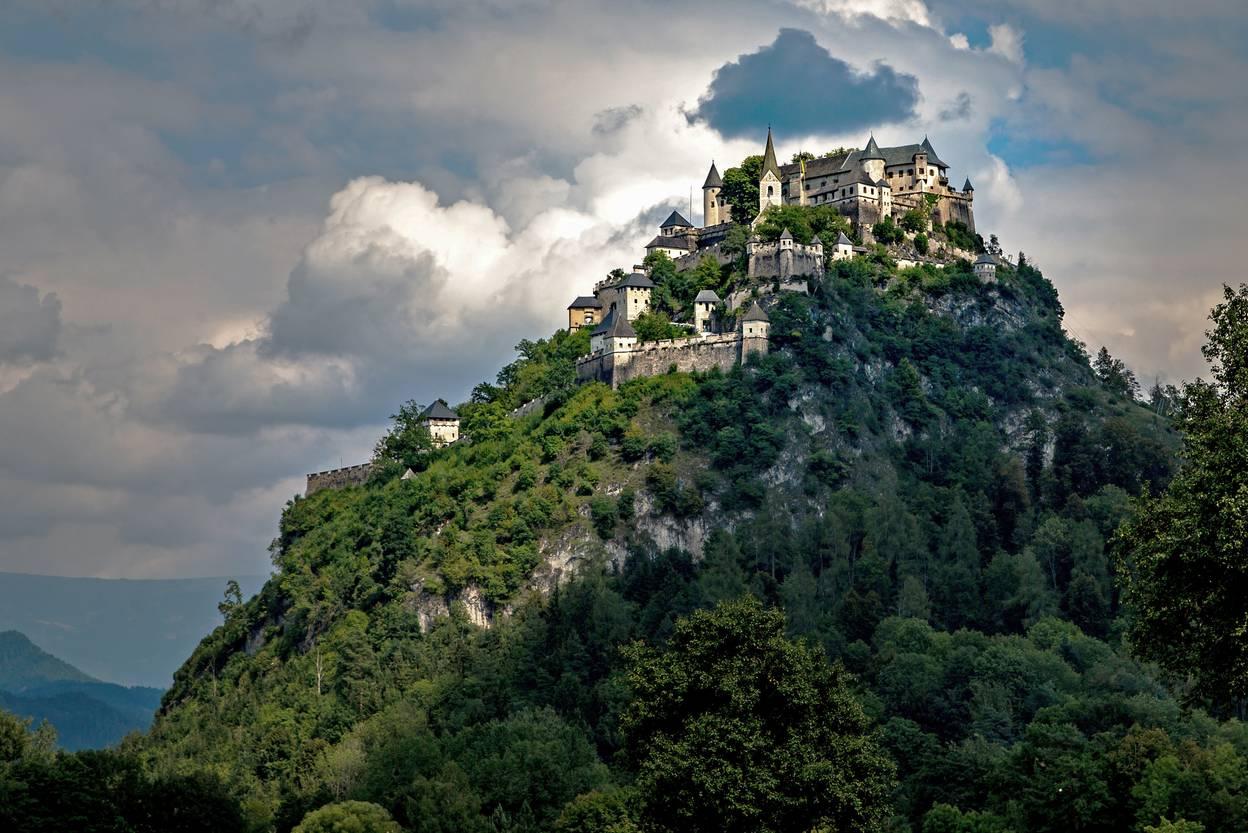 <p>Burgen und Schlösser in Kärnten, Burg Hochosterwitz</p>