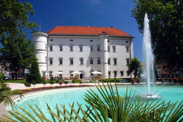 Schloss Porcia in Spittal an der Drau in der Region Millstätter See