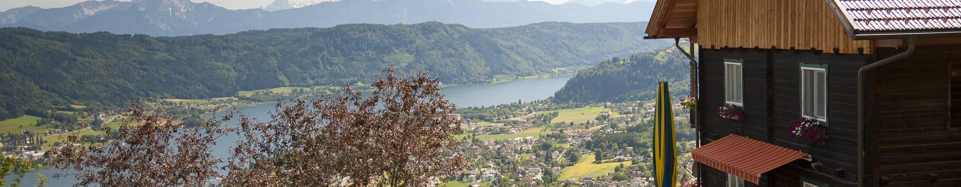 <p>Kathrins Buschenschenke, Ossiacher See</p>