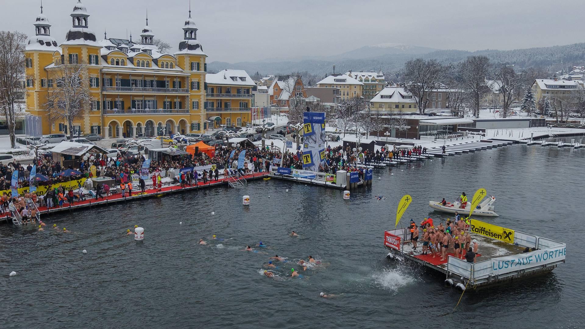 Neujahrsschwimmen in Velden