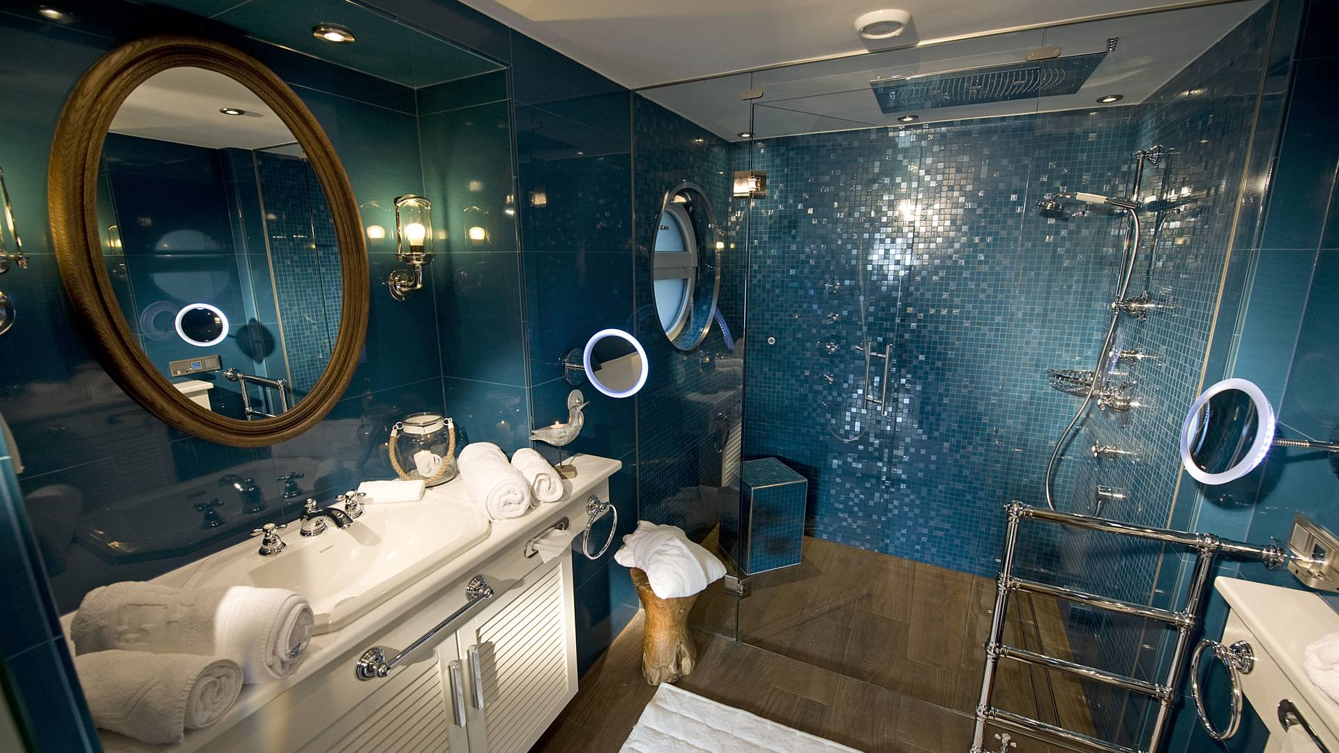 KOLLERs Hotel Bootshaus Suite Badezimmer