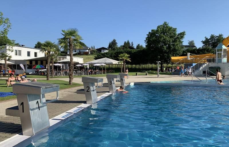 Vier Sportbahnen im Erlebnisschwimmbad Völkermarkt