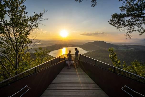 Aussichtsplattform Slow Trail Kitzelberg über dem Klopeiner See