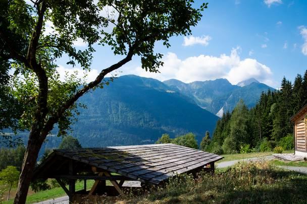 Blick vom Gasperhof in die Karnischen Alpen