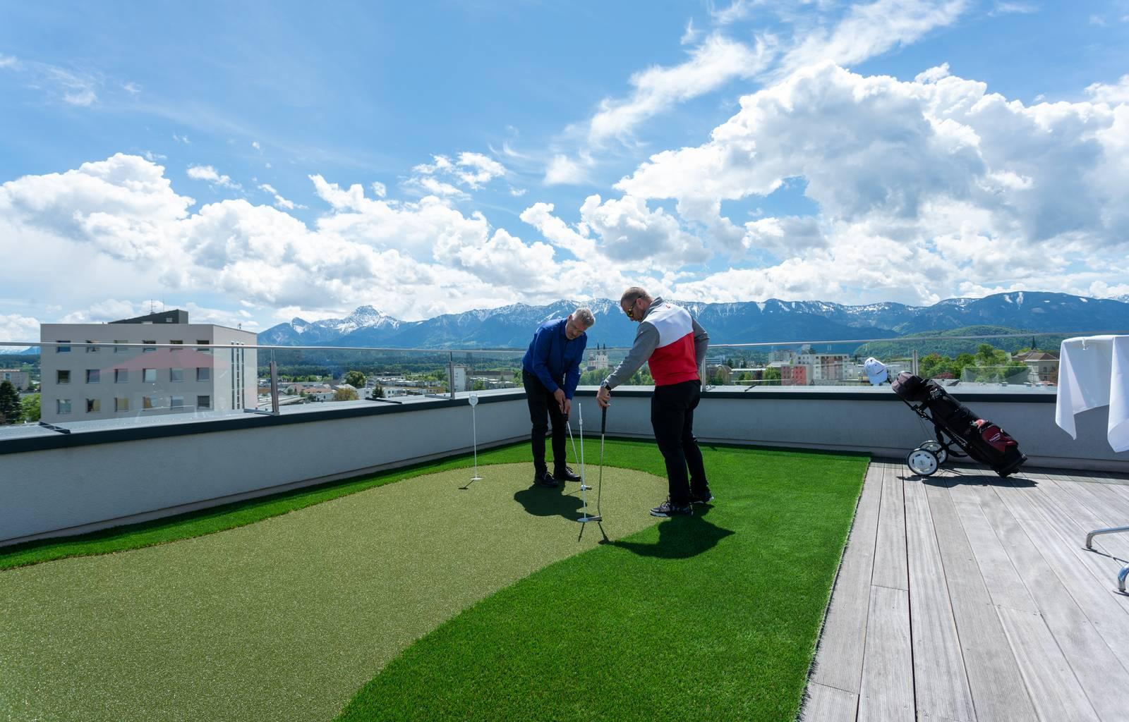 Holiday Inn Penthouse Golf