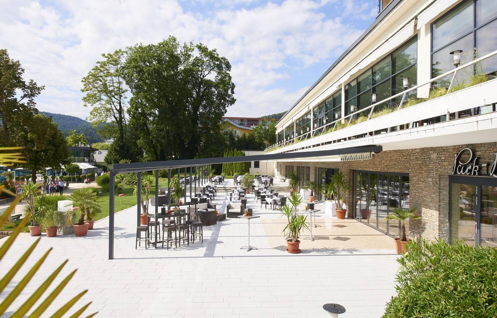 Parkhotel Poertschach Palmenrestaurant Seeterrasse