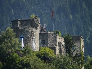 Burg Sommeregg/Foltermuseum    geöffnet bis Anfang November