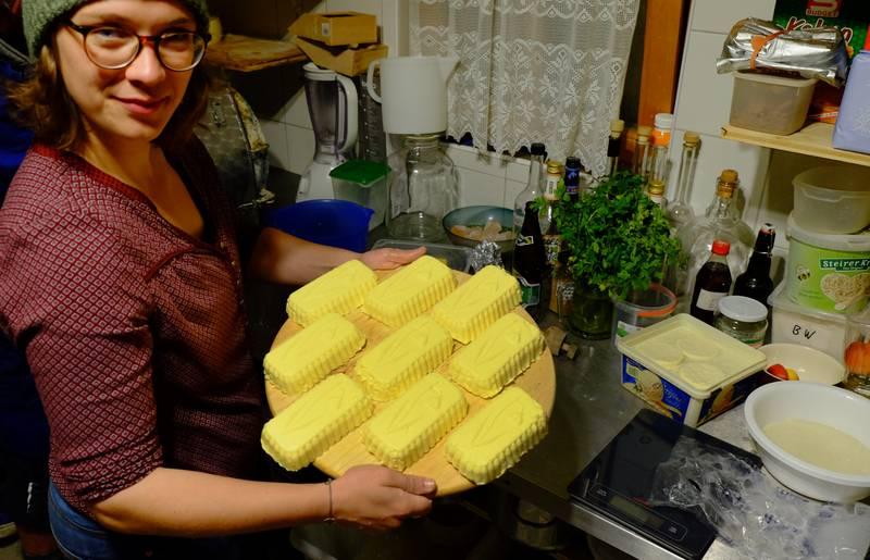 Handgemachte Butter auf der Alm
