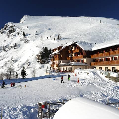 Heidi Hotel Falkertsee im Schnee